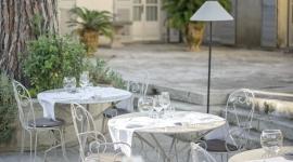 Terrasse extérieure restaurant La Benvengudo