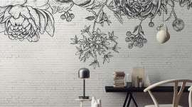 Black flower brick wall - Les Dominotiers