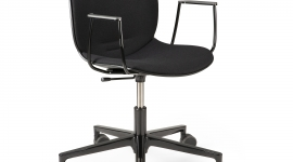 Chaise de bureau RBM Noor avec accoudoir - Ethnicraft