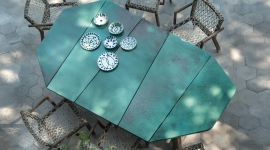 Table de repas Rafael, en pierre de lave émaillée - Ethimo